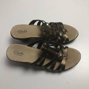 Clark's Bendables Womens Heels Sandals Size 11M